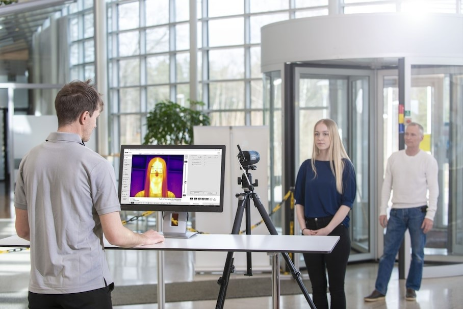 Thermal cameras test body temperatures