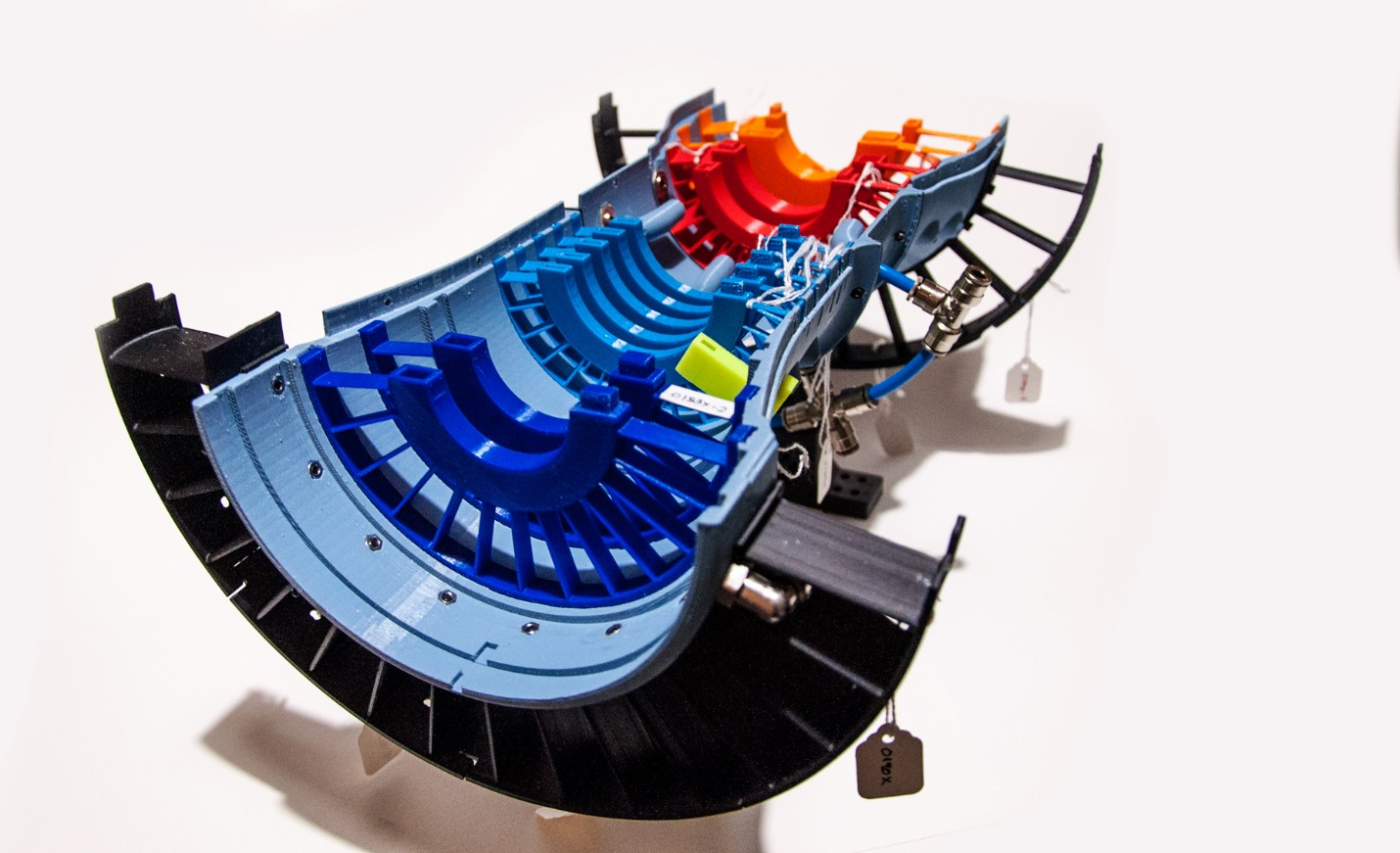 A model of a jet engine for educational purposes.